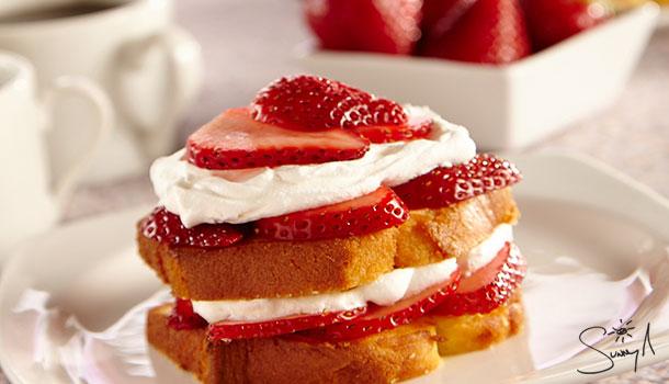 Sunny's-Easy-Toasted-Strawberry-Shortcake