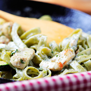 chicken with pesto cream sauce
